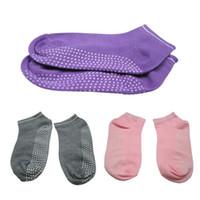 Al por mayor-Random Color Mujer Pilates antideslizante Grip Calcetines algodón danza deporte masaje tobillo calcetín