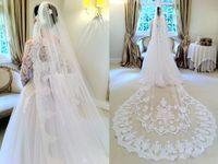 2016 Para A Noiva Belo Véu Uma Camada de Casamento Véu Catedral Comprimento Applique Rendas Branco / Marfim Com Pente Livre HANDMADE