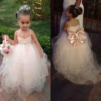 Pageant Vestidos Para Meninas 2016 Espaguete Branco Marfim Champanhe Crianças Vestidos de Baile Vestido de Noiva Faixa de Cinto Beading Vestido da Menina de Flor Vestidos EN5126