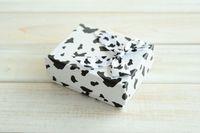 [Simple Siete] pendiente caja precioso anillo irregular / Blanco y Negro Estuche / manera pendiente de la exhibición / joyero especial con la cinta (medio)