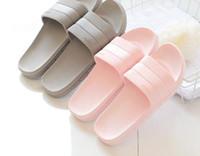 Pantofole di massaggio dell'interno di colore della caramella di modo delle donne 2017 Peso leggero PVC solido Pantofole di massaggio antiscivolo Chinelo Feminino