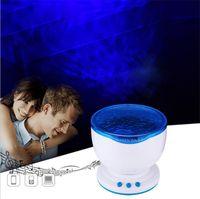 Proiettore a luce notturna a LED Lampada per proiezione a onde blu oceano con mini altoparlante Luce notturna a onde oceaniche Alimentazione USB o Alimentazione a batteria