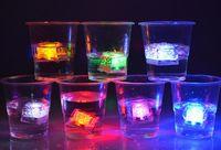 Led Işıklar Polychrome Flaş Buz Sıvı Sensörü Parlayan Ice Cube Dalgıç Işıkları Dekor Light Up Bar Club Düğün Parti
