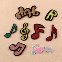 Ferro Em Remendos DIY patch de lantejoulas adesivo Para Roupas roupas Emblemas de Tecido De Costura glitter brilhante nota amor música etc