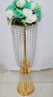 Дешевые кристаллические Centerpieces для венчаний/нового золота металла покрыли держатели для свечи с Кристаллом