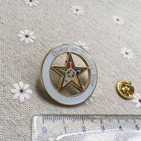 Yığma Doğu Yıldız Broşu 10pcs H008 mason Yaka Pin Altın Kaplama Eşsiz Masonluk Debriyaj iğneler Rozet mason al