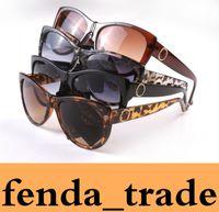 kadınlar Güneş Yüksek Kalite Siyah Leopar çerçeve Kadınlar Marka Tasarımcı UV400 Güneş Gözlükleri Kadın Lady Gözlük Kadın gözlük 8015 Adedi = 10pcs