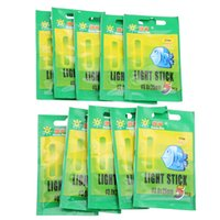 Al por mayor-50pcs 3.0 * 25mm Pesca Fluorescente Lightstick Light Night Float Clip en Dark Glow Accesorios de pesca