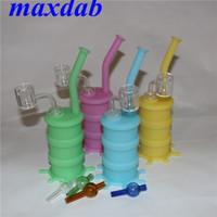 Glow in Dark Tragbare Wasserpfeifensilikon-Wasserpfeifensilikon-Wasserpfeife mit 14-mm-Doppelröhrchen-Quarznagel und farbigem Glaskarpfen