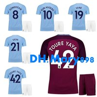17 18 Maillots de football pour hommes Shorts # 10 KUN AGUERO # 19 SANE GUNDOGAN ATERLING NOLITO SILVA Kits de football Uniformes