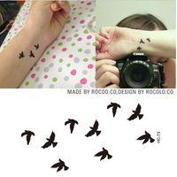 Mujeres Sexy Dedo Muñeca Destello Flash Pegatinas de Tatuaje Liberty Pequeños Pájaros Fly Diseño Impermeable Tatuajes Temporales Pegatina HC1073