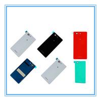 DHL Kargo 100 adet Sony Xperia Z3 Kompakt D5803 Yeni Parçaları Için Cam Pil Kapağı D5833 Kapı Konut Z3 Mini Arka Arka Cam Kapak vaka