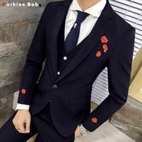 Großhandel - Männer Stickerei Blumenkleid Lässig Blazer Slim Fit 2016 Mode Rosy Party Hochzeit Smoking Anzug Jacke Herbst Winter