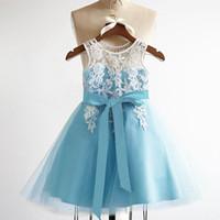 New Flower Girl Dresses for Wedding V-Back Little Girls Vestito da bambina / bambino con fascia Princess Ball Party Pageant Comunione Dress