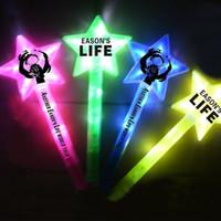 Cinq étoiles pointues, bâtons clignotants, bâtons fluorescents colorés, concerts, événements, fêtes, fêtes, bravo, bâtons lumineux