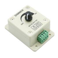 Umlight1688 50 unids DHL SHRAHT LED Dimmer DC 12-24V 8A Dimmer de luz brillante brillante Controlador ajustable Controlador LED de un solo color
