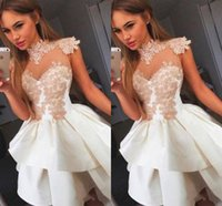 2018 Sexy Illusion Homecoming Vestidos de Alta Neck Appliqued Lace Homecoming Vestido Petite Ruffles Mini Vestidos de Festa Curto