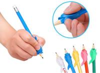 펜 홀더 자세 그립을 수정하기위한 유아 어린이 학생들 편지지 연필 지주 연습 장치
