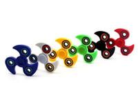 Disponibles Tri-Spinner Fidget Toy Plastic EDC Hand Spinner para autismo y TDAH Rotación Tiempo Largos anti estrés juguetes