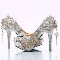 2017 Superbe Argent Strass Chaussures De Mariage Rose Fleur En Cristal De Mariage Banquet Party Chaussures Cendrillon Prom Pompes Plus La Taille