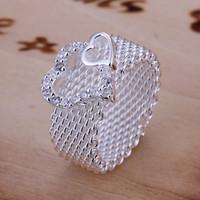 Europa estilo 925 plateado cuadrícula hueco doble corazones figura anillo 8 tamaño mujeres joyería de moda