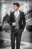 أسلوب العريس البدلات الرسمية الأسود رفقاء رفقاء الذروة طية صدر السترة رجل البدلة / العريس / الزفاف / حفلة موسيقية / الدعاوى العشاء (سترة + سروال + التعادل + سترة) K493