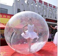 كرات المشي 1.3 1.5M 1.8M 2M المياه الشعبية PVC تنفخ بالهواء zorb الكرة المياه المشي والرقص كرة الماء العائمة الكرة الرياضية الكبيرة