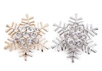 여성 패션 브로치 핀 레트로 스타 크리스마스 선물 코사지 2 색상 옵션에 대한 높은 품질 크리스탈 라인 석 눈송이 브로치