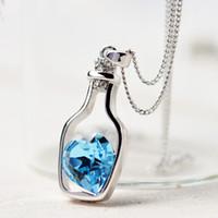 Al por mayor-Mujeres creativas Moda Collar Señoras Estilo popular Love Drift Bottles Colgante Collar Azul Corazón Cristal Colgante Collar