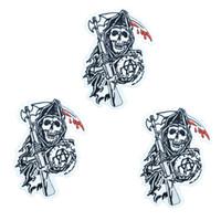 1 pz Punk teschio con ascia badge patch per abbigliamento motore ferro ricamato patch applique ferro sulle toppe accessori per il cucito
