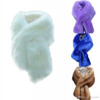 2019 Nueva envoltura nupcial colorido Faux Fur Shawl Wrap invierno de las mujeres para la fiesta de graduación cóctel de la fiesta de la fiesta barato en stock
