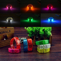 novità luce Musica Attivato controllo del suono Led Braccialetto Light Up Wristband Club Party Bar Cheer luminoso Anello mano Glow Stick Night Light