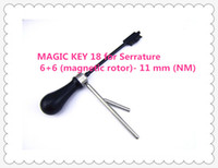Envío gratis HIGH QUALITY NEW PRODUCT MAGIC KEY 18 para Serrature 6 + 6 (rotor magnético) - 11 mm (NM) llaves maestras decodificador cerrajero herramientas
