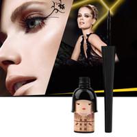 Femmes chanceux mignon Poupée noire étanche Traceur liquide Pen cosmétique de maquillage