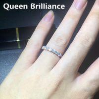 0.7 CTW Lab Grown Moissanite diamanti di mezza Eternity Wedding Band argento 925 per le donne