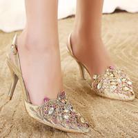 2017 Gold Spring Summer Lace Puntas puntiagudas Zapatos de boda Slingbacks Sandalias Sexy Lady Tacones Altos Altos Mujer Party Party Bombas de fiesta