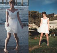 2021 Einfache kurze Strand Brautkleider aus der Schulter Chiffon Sommer Land Western Brautkleider Günstige Hochzeitsempfangskleid