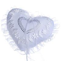 Кружева любовь сердце обручальное кольцо подушка свадебная вечеринка поставляет хрустальные цветочные сердца кольца подушки жемчужины ленты свадебные подушки