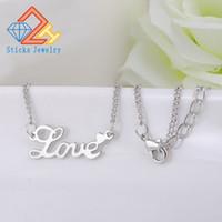 모든 맞춤 이름 목걸이 합금 펜던트 Alison 서체 매혹적인 펜던트 Love Custom Name Necklace