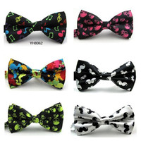 Gravata borboleta dos homens 72 cores 12 * 6 cm Ajustar a fivela cor sólida Bowknot Gravata Grade Ocupacional para o Dia dos Pais gravata Presente de Natal.