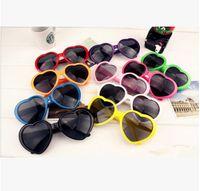 Moda Love Heart Shape Sunglasses Multicolor Occhiali da sole Plastica Glasses Paesaggio UV400 Occhiali da sole economici 13 colori