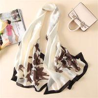 2020 Donne autunnali Sciarpa Sarf Designer Scialli in seta floreale e sciarpe Foulard Ladies Summer Beach Cover-ups 180 * 90 cm
