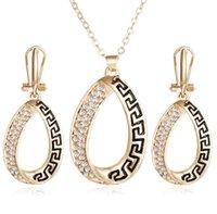 Womens Halskette Ohrring Sets Great Wall Muster Anhänger Kette Bib Halskette Ohrringe Geschenke für ihre Schmuck-Set