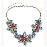 Nuevo 2017 Hot Fashion Europe Women flowers Necklaces diamond Vestido de collar