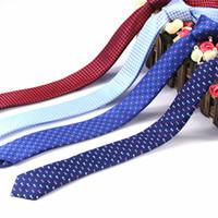 2019 Moda Erkekler Kravatlar Düğün Kravatlar Dot Stil Kravat Erkek Parti Aksesuarları için Donanma Renk Ince Bağları