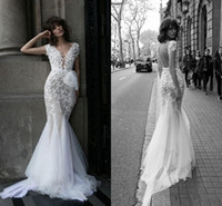 Liz Martinez Vintage 3D Floral Mermaid Wedding Dresses Modes...