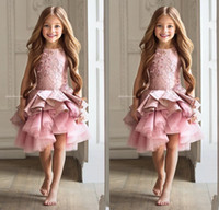 Lüks Dantel Pembe Dantel Çiçek Kız Elbise 2017 Aplikler Ruffles Katmanlı Çocuklar Güzellik Pageant Abiye Kız Vestidos Için