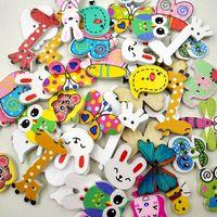 Botones de madera de dibujos animados de animales mezclados para la caja de regalo hecha a mano Scrapbooking artesanía decoración del partido DIY de costura