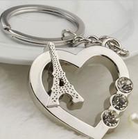 Livre 50pcs transporte / lot atacado bonito Corações do amor Paris Torre Eiffel Car Keychain Chaveiro com strass Amigos presente