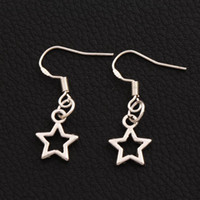 Petites boucles d'oreilles étoile ouverte 925 argent poisson crochet d'oreille 50pairs / lot Argent antique Dangle lustre E138 9.8x26.5mm